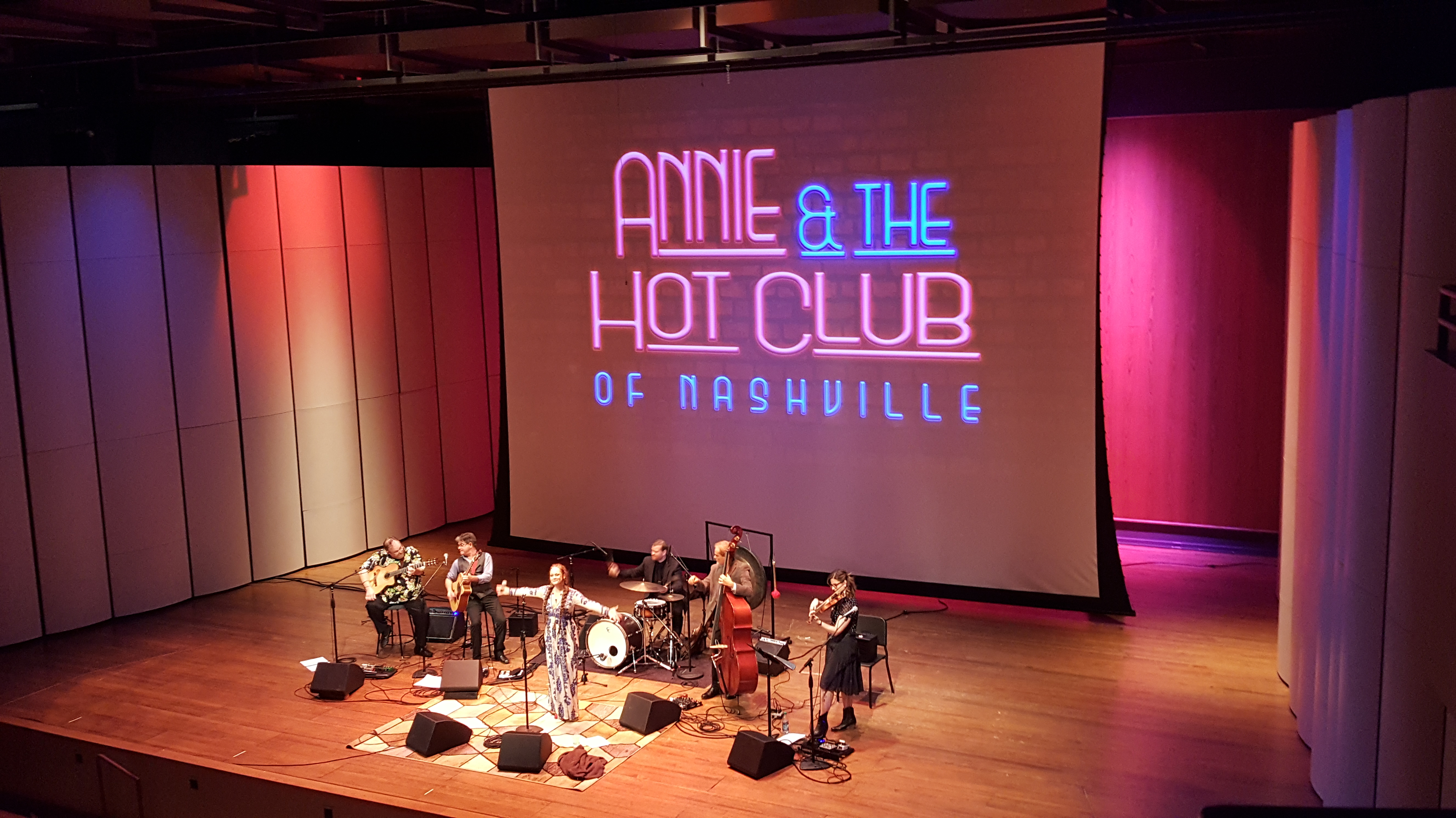 Annie & the Hot Club of Nashville (Swing / Gypsy Jazz)